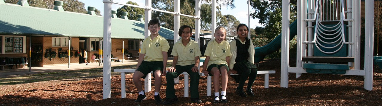 Kings Langley Public School kids in the playground